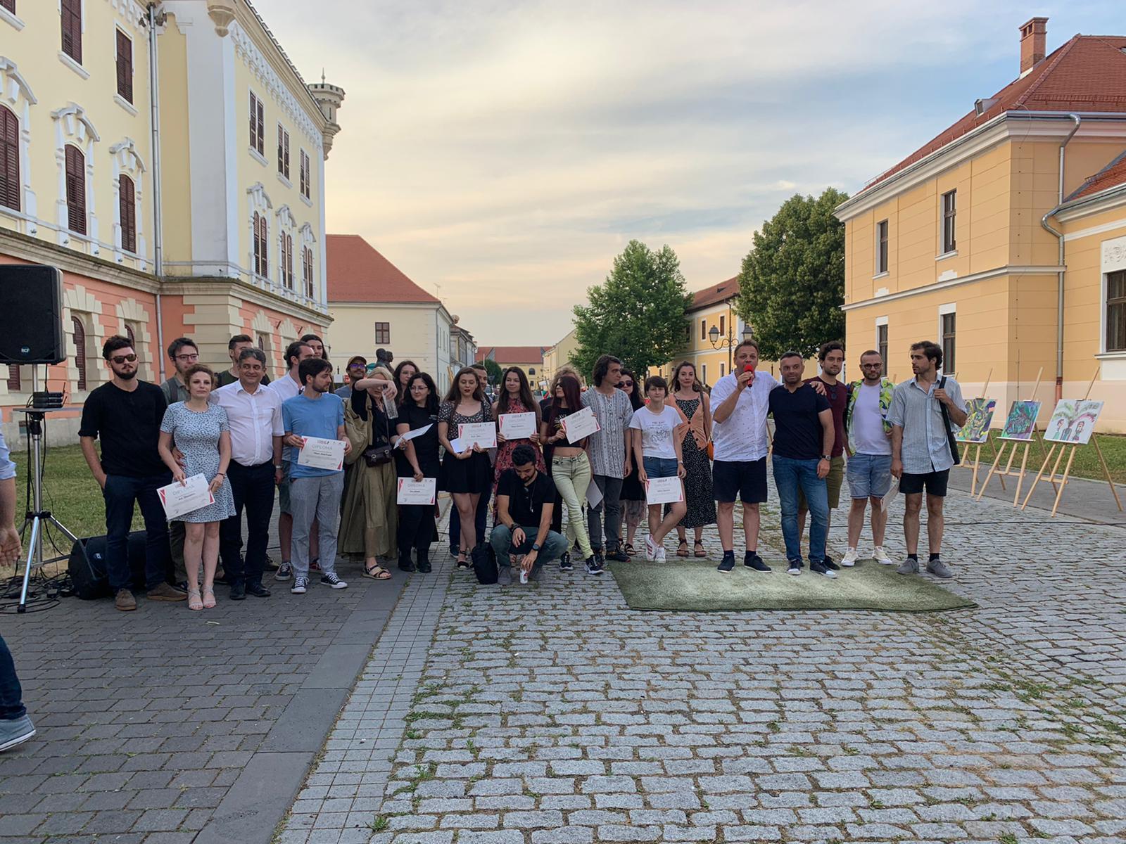 Am fost la Alba Iulia să citesc poezie: Stand-Up Poetry, totul e fantastic cu poezia română contemporană